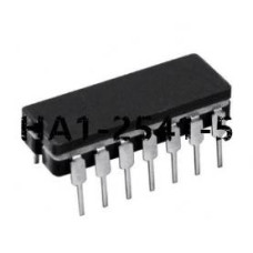 1 PCS AD534SD CDIP-14 Internally Trimmed Precision IC Multiplier